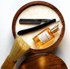 Shaving with a straight razor. Shaving Set, Shaving Razor, Wet Shaving, Shaving & Grooming, Male Grooming, Gentlemans Club, Clean Shaven, Close Shave, Straight Razor