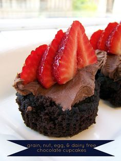PALEO - always underfoot: grain, nut, egg, and dairy free chocolate cupcakes Gluten Free Treats, Gluten Free Desserts, Dairy Free Recipes, Healthy Desserts, Delicious Desserts, Yummy Food, Paleo Recipes, Healthy Foods, Paleo Sweets