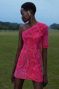 Fashion News, Fashion Beauty, Fashion Show, Fashion Design, Fashion Trends, Stella Mccartney, Fashion Week Paris, Mannequins, Vogue Paris