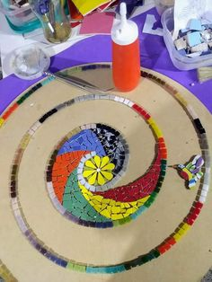 Mosaic Tile Art, Mosaic Crafts, Mosaic Projects, Mosaic Glass, Mosaic Designs, Mosaic Patterns, Abstract Flower Art, Mosaic Stepping Stones, Art Lessons