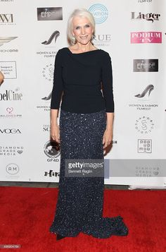 Billionaire Elon Musk's mom is growing a modeling career at 68 Elon Musk Mom, Maye Musk, Style And Grace, November 2015, Supermodels, Lace Skirt, Going Out, Reception, Chic