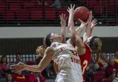 Women's Basketball Finishes Classic With 20-Point Win