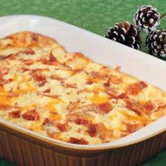 Favorite Christmas Breakfast Casserole Recipe- Recipes After church services on Christmas morning, our family enjoys this easy, make-head casserole. I'd also recommend it for a special breakfast or brunch any time of the year. Bacon Breakfast, Breakfast Time, Breakfast Dishes, Breakfast Recipes, Breakfast Ideas, Overnight Breakfast, Health Breakfast, Breakfast Souffle, Breakfast Healthy