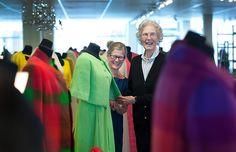 """Ebba von Eckerman själv, på en utställningen av """"Vävda modedrömmar – från Ripsa till New York"""" i Nyköping 2012."""