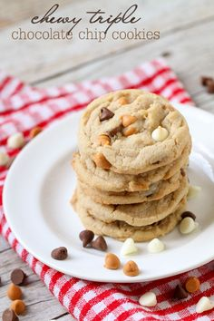 Super soft, delicious and chewy Triple Chocolate Chip Cookies { lilluna.com } White and milk chocolate chips and butterscotch chips combined to get the best taste.