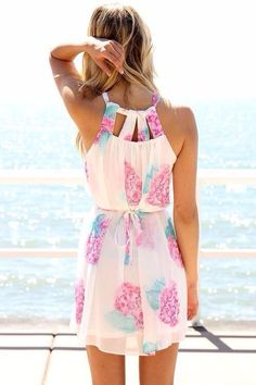 Stylish flowery dress for summers