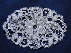 Luxeuil Tape Lace: Kristiina tehtud Luxeuili nõelpits by pitsimeister, via Flickr