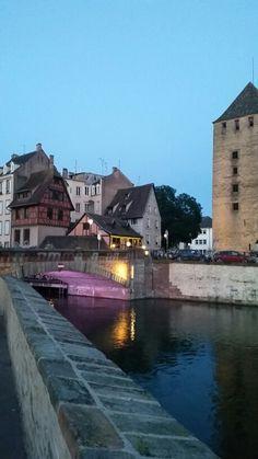 #salsburg #alsazia #france #architecture #art #light #violet #rueduvin #rueduvindalsace #alemeacci @alemeacci