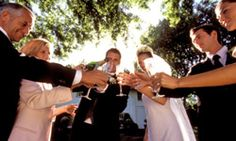 Keep your guests cool and refreshed at your warm weather wedding.