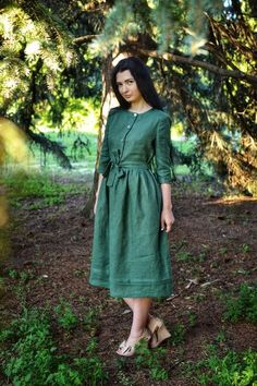 A close fitting dress made from high quality medium weight linen. This dress very comfort and classy. Linen Dresses, Cotton Dresses, Dresses With Sleeves, Frock Fashion, Fashion Dresses, Modest Fashion, Modest Outfits, Casual Dresses, Modest Clothing