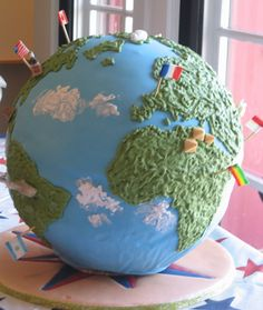 Globe wedding cake - for the globe trotting couple! It would be cute to pin with flags the places you have been together! (beautiful birthday cakes with name) Beautiful Birthday Cakes, Beautiful Cakes, Amazing Cakes, Map Cake, Cake Art, Cake Icing, Cupcake Cakes, Cupcakes, Bon Voyage Cake
