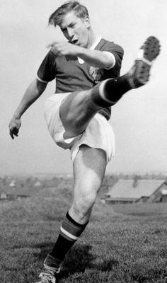 Bobby Charlton (Eng) forward