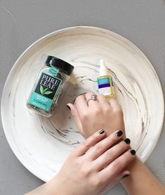 3 steps to keep hands glowing and soft in the winter Health And Wellness, Beauty Hacks, Glow, Hands, Winter, Easy, Winter Time, Health Fitness, Beauty Tricks