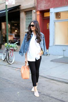 @Kat Tanita {With Love From Kat} dresses down in J BRAND's 811 Mid Rise Skinny Jean in Shadow.