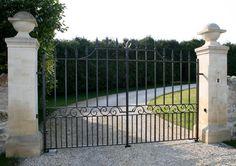 Automated estate entrance gates