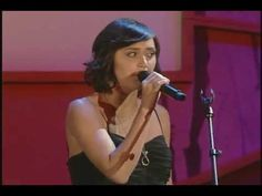 I think Dia Frampton should've win the Voice, she's got a mysterious flare and lots of talent, i love her!