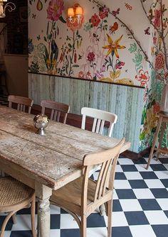 Bakeri - Greenpoint Café Design, House Design, Dining Area, Dining Room, Dining Table, Checkered Floors, Deco Cafe, Vintage Home Decor, Vintage Cafe