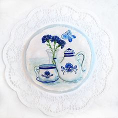 hand painted cookie, blue & White