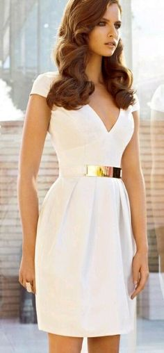 Summer Dresses - Wondering what are the hottest sun dress trends this year! Check out the best selection of pretty dresses for summer, outfit ideas & style tips Pretty Dresses, Beautiful Dresses, Gorgeous Dress, Gorgeous Hair, Awesome Dresses, Look Fashion, Womens Fashion, Fashion Tips, Fashion Ideas