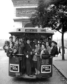 """""""Group of American teenagers riding on streetcar towards the Arc de Triomphe as they head home from Saturday afternoon football game in the Bois."""", Paris, by Gordon Parks, 1952 [[MORE]] Life archive. Gordon Parks, Vintage Paris, Old Paris, Vintage Pictures, Old Pictures, Old Photos, Robert Doisneau, Fotografia Social, My Little Paris"""