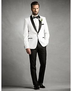 A White Jacket With Black Collar Is Formal Option For An Impeccably Chic Wedding Lecau Styledowntheaisle Lewedding