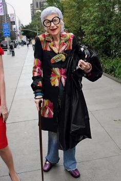 Apfel during fashion week in New York, September 2011. Credit Bill Cunningham/The New York Times