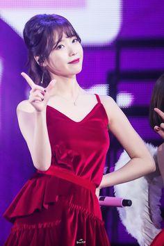 IU 24 Steps Concert Twitter @yoonkb_iu 포토타임 사진은 추후에 업로드 됩니다 Iu Fashion, Fashion Models, Kpop Girl Groups, Kpop Girls, Ailee, Celebrity List, Gangnam Style, Beautiful Friend, Girl Day