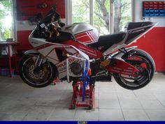 2004 CBR 929/954 RR