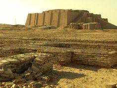 Mentre si combatte, in Iraq c'è anche tempo per importanti scoperte archeologiche. Una missione italiana dell'Università La Sapienza di Roma, nel territorio di Nassiriya, sta riscoprendo i resti e la storia di un grande insediamento tributario a Ur, la più celebre città d