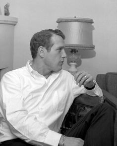 Paul Newman, home in Beverly Hills, march 24 1962