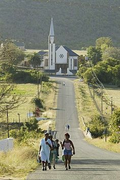 Village of Shoemanshoek, Church in the background, Little Karoo, Western Cape… Africa Painting, South Afrika, Art Walk, African History, Retro Cars, Landscape Photos, Cape Town, Tents, Travel Ideas