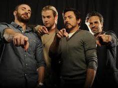 Avengers - Robert Downey Jr, Chris Hemsworth, Chris Evans, Mark Ruffalo
