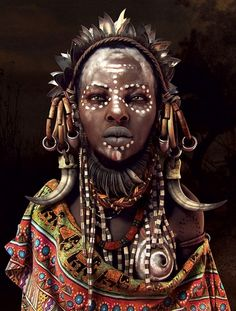 Mursi tribe woman of Southern Ethiopia illustration by Moises Gomes.