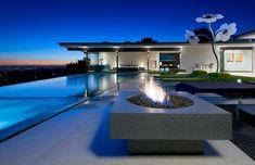 jardines-modernos-con-piscina-lugar-fuego.jpg (760×491)