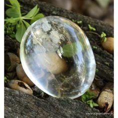 Symbole de lumière et de pureté, le Cristal de Roche vibre sur toutes les…