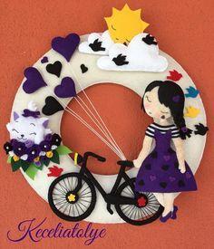Bi hikaye daha başlasın #handmade #for #babygirl #design #purple #girl #felt #keçeden #kapısüsü #duvarsüsü #blackandpurple #flowers #siyah ve mor #kalpler #heart #pisicik #pisi #kedicik #white #cat #instalike #elbise #bicycle #blackbicycle #bisiklet#bird#rengarenk #kuşlar #örgü #çizgili