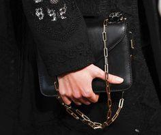 Catalogo borse Valentino Primavera Estate 2017 - Clutch nera