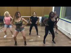 Rouge ensaiando coreografia de Bailando