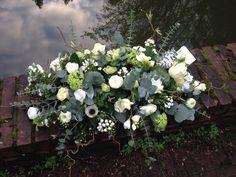 #rouwbloemen #afscheidsbloemen #wit  #BLOM #bloemwerkopmaat #wageningen #bennekom #renkum