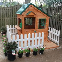 backyard playhouse idea.... LOVE the fence. Rachael Rabbit