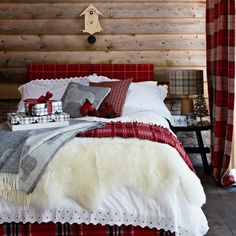 Red tartan bedroom | Festive decorating ideas | Country Homes & Interiors | Housetohome.co.uk