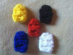 Thumb wrestling masks Free crochet pattern