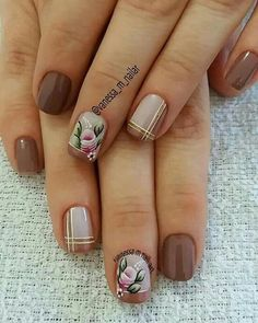 Lindinha Flower Nail Designs, Flower Nail Art, Gel Nail Designs, Stylish Nails, Trendy Nails, Nail Photos, Bright Nails, Brown Nails, Beautiful Nail Art