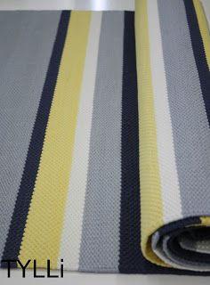 Epätasaraitaa, sinistä, harmaata, keltaista ja valkoista