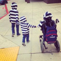 """Dear Sibling to a Child With Special Needs, Let Me Tell You Why You're Amazing """"Trust me, you most definitely will be more prepared for this life."""""""