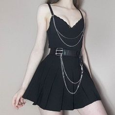 how to pair outfits Egirl Fashion, Grunge Fashion, Korean Fashion, Fashion Outfits, Fashion Styles, Dark Fashion, Kawaii Fashion, Fashion 2018, Fashion Jewelry