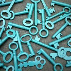 Key Me In Color Azul Turquesa - Turquoise! Bleu Turquoise, Shades Of Turquoise, Aqua Blue, Shades Of Blue, Tiffany Blue, Azul Tiffany, Old Keys, Mint, Aqua Color