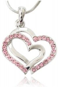 Love this Valentines Day girlfriend gift - crystal heart necklace (plus more gifts under $25) http://girlfriendology.com/valentine-girlfriend-gifts-for-under-25/