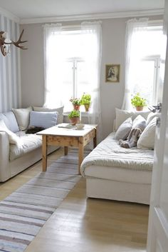 8 Steps to Remake Your Bedroom for Bedroom Interior 2019 Trend - Best Home Remodel Living Spaces, Living Room, Rest And Relaxation, Bedroom Themes, Cozy House, Cottage Style, Guest Room, Home Remodeling, Master Bedroom