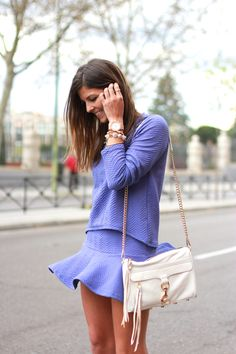 trendy_taste-look-outfit-street_style-ootd-blog-fashion_spain-moda_españa-rebecca_minkoff-golden_watch-reloj_oro-shorts-top-salones_nude-punta_plata-polaroid-zara-6